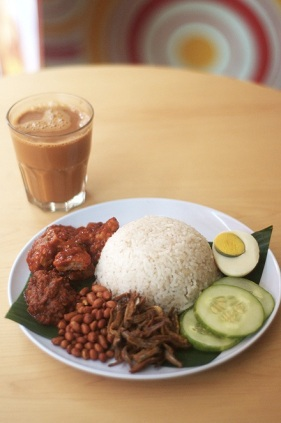 teh tarik and nasi lemak